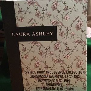 Laura Ashley 5 Piece Indulgent Collection